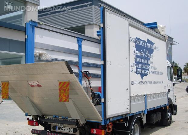 Transportes y mudanzas daniel p rez - Empresas mudanzas sevilla ...